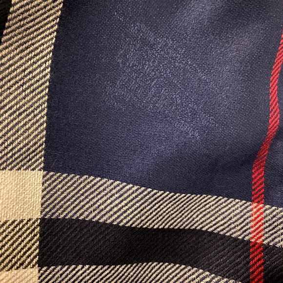 Burberry authentic scarf for women navy color